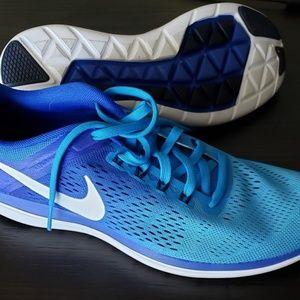Nike FlexRun shoes